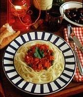 Gott ombord: lättlagat recept på tomat- och sardellsås till pastan.