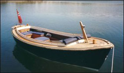 Gullholmensnipan 23 Classic är en trygg utflyktsbåt.