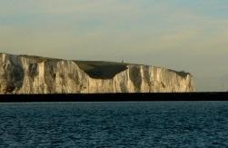 Madeleine Westin vid Dovers klippor