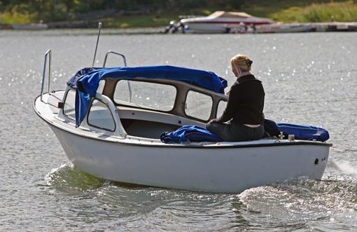 Ett exempel på en billig glidarbåt är Snipan Myra 20