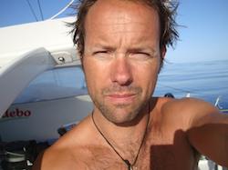 Thomas Coville missar rekordet runt jorden
