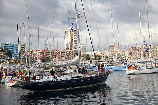 Las Palmas fylls av båtar som ska segla över Atlanten