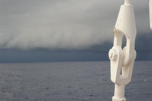 Squalls är en anledning till oro på havet.