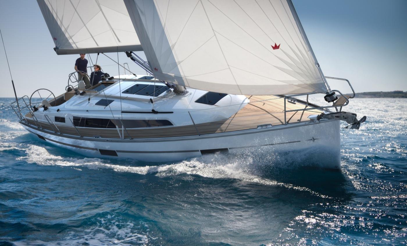 batar_segelbatar_2013_Bavaria_37_Cruiser_Bildspel_Bavaria_Cruiser_37_sailing