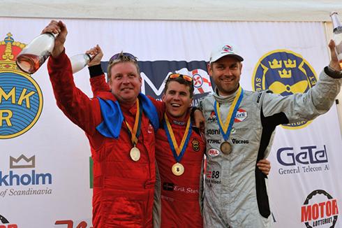 Guld, silver och Brons i F2 VMs första race i Stockholm