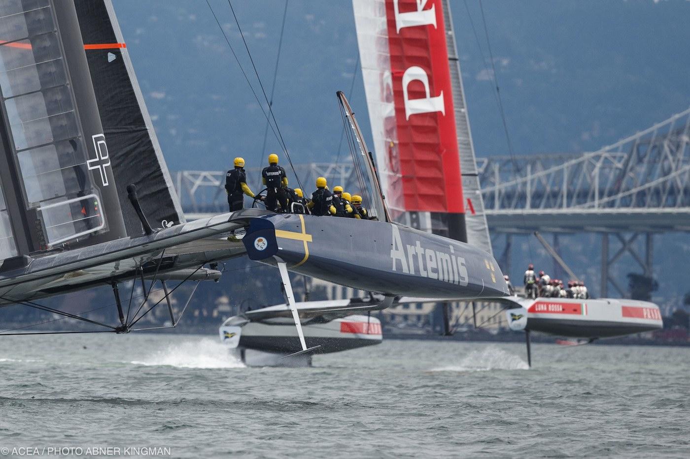 racing_bankappsegling_2013_Louis_Vuitton_Cup_Louis_Vuitton_Cup_2_AK_AC34AugustD6_3937