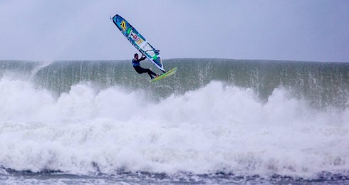 bloggare_adrenalin_2014_Red_Bull_Stormchase_Cornwall_Red_bull_simon_Crowther