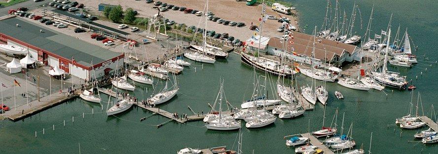70e2af6316-Flygfoto-hamnen-mindre
