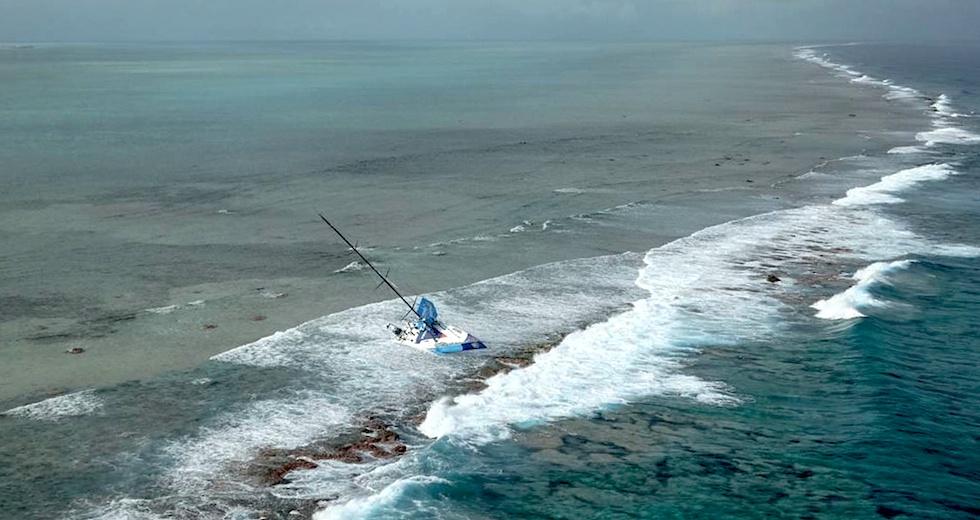 racing_havskappsegling_2014_VOR_Etapp_2_Sjunker_Fast_mark_Vestas_Reef