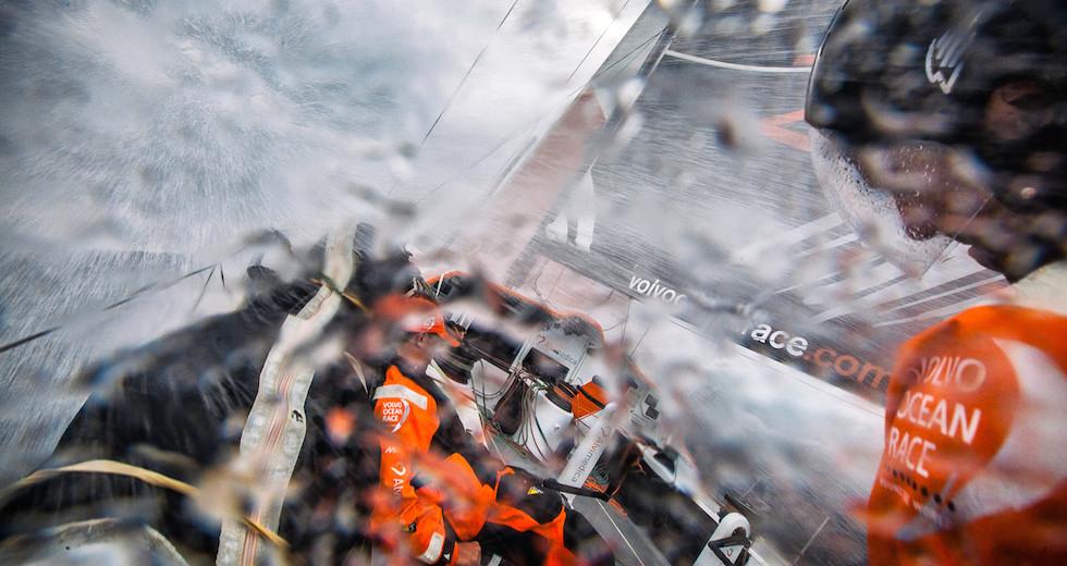 racing_havskappsegling_2015_VOR_10_feb_ALV_150210_ross_0230_puff