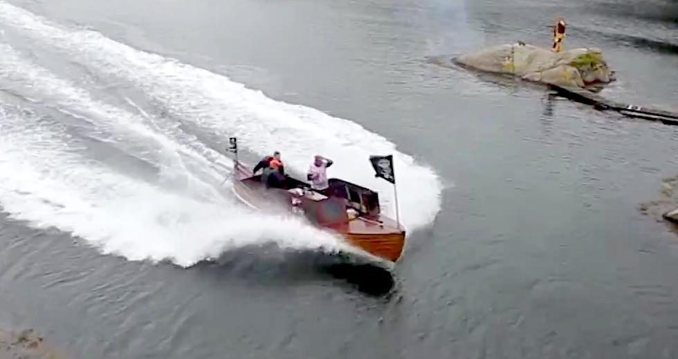 Snipa V8 race