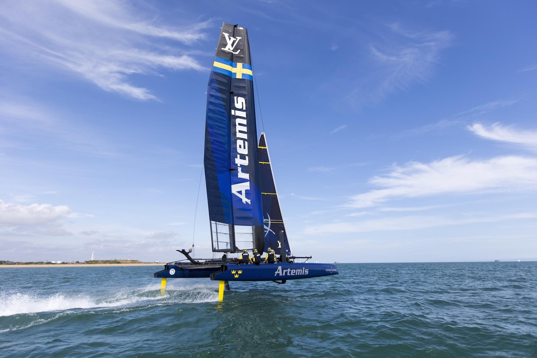 racing_bankappsegling_2015_Artemis_new_swedes_Sailing_Artemis_foiling