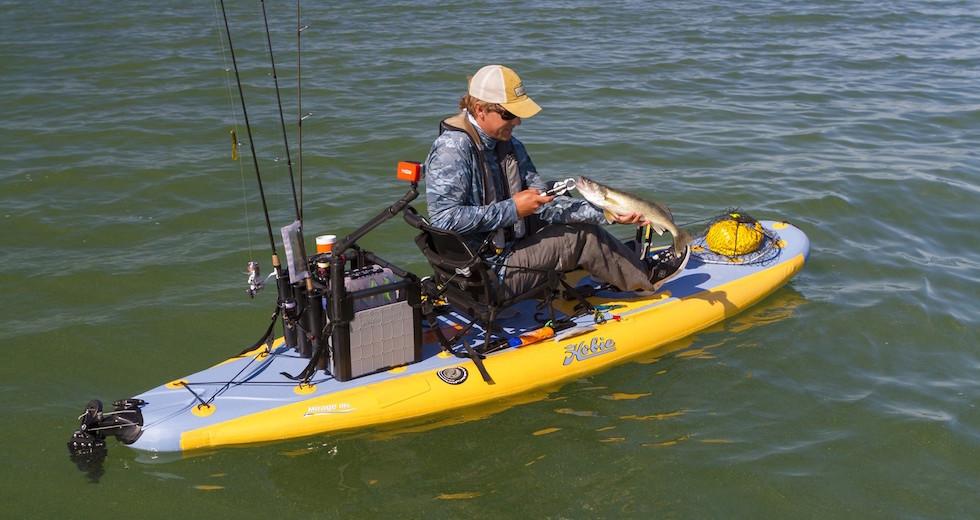 Vattensport_2015_HobieMirage_Ingang_i11S-action-fishing-Morgan-Pelee-Walleye-topview-lg_jpg_1600x1600__generated