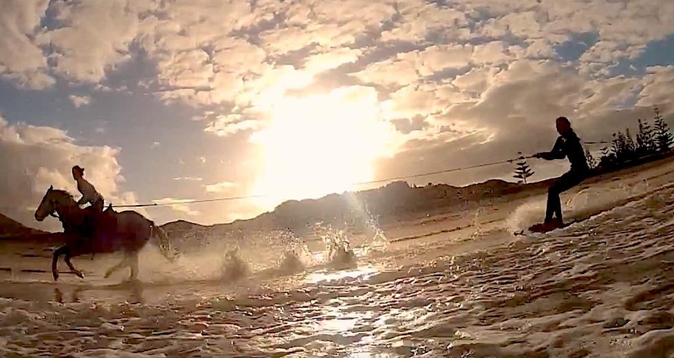 Vattensport_2015_HastSurfing_Ingang_HastSurfIng2