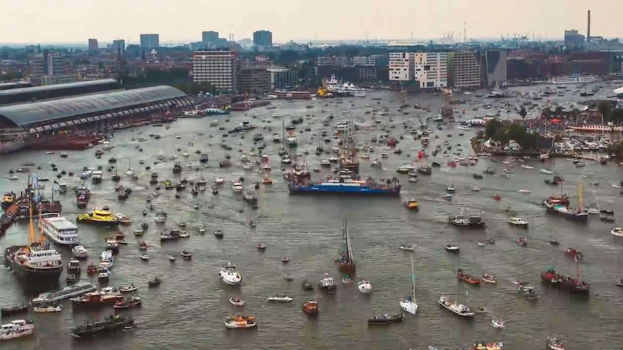 Spektakulart_2016_RusningstrafikAmsterdam_AmsterdamIngang_RusningstrafikIngang