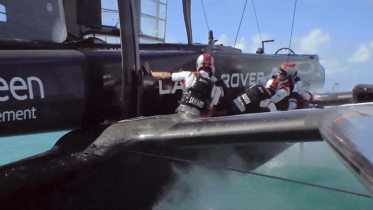 racing_bankappsegling_2017_Americas_Cup_First_day_krasch_ombord