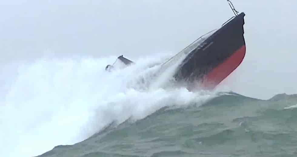 Baracuda - hårdtest i full storm och femmetersvågor.