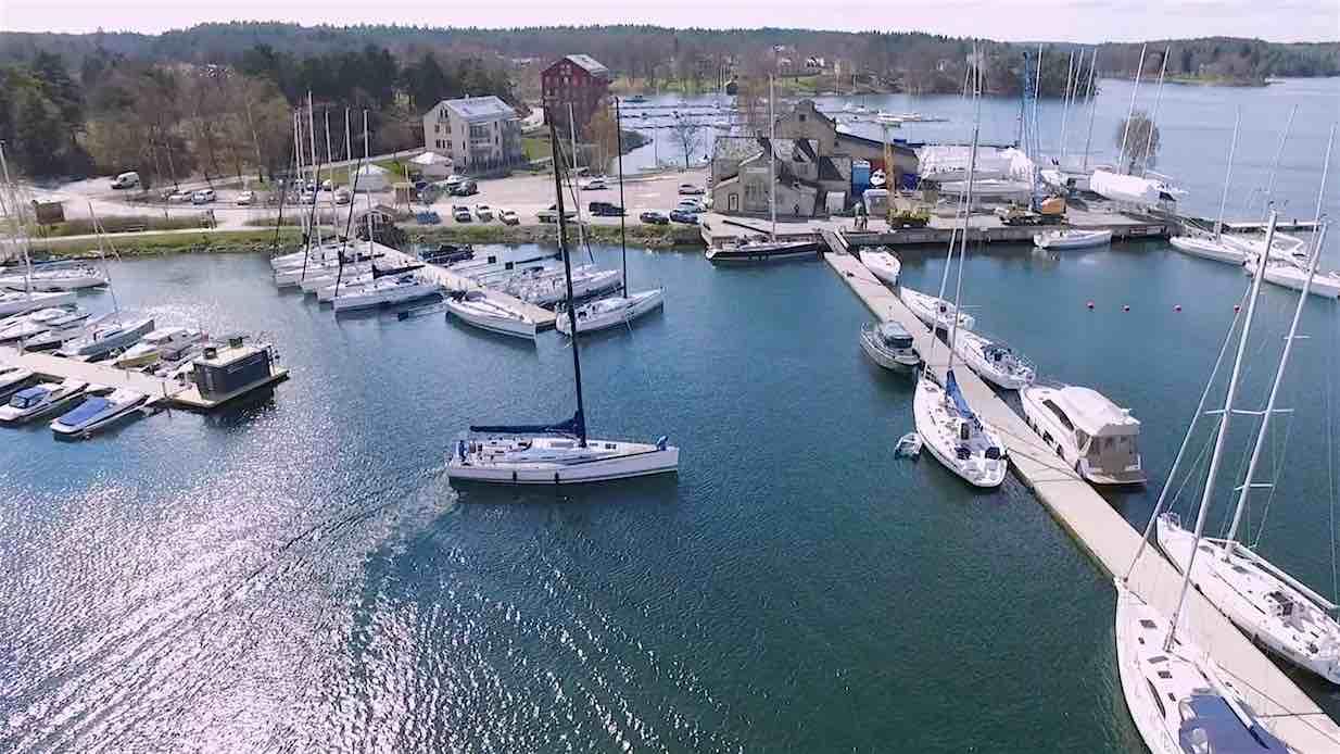 Arcona docking