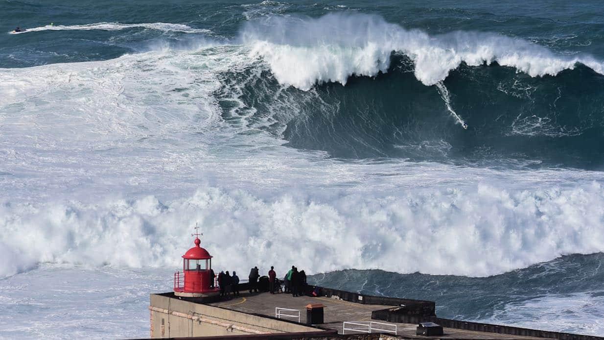 Vattensport_2019_Big_Wave_surfing_gone_bad_Surfing_big_waves_Nazaree