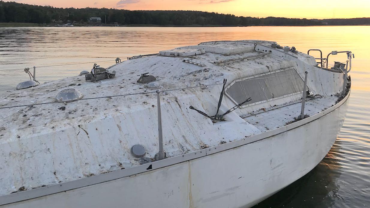 Bird shit on boat 1