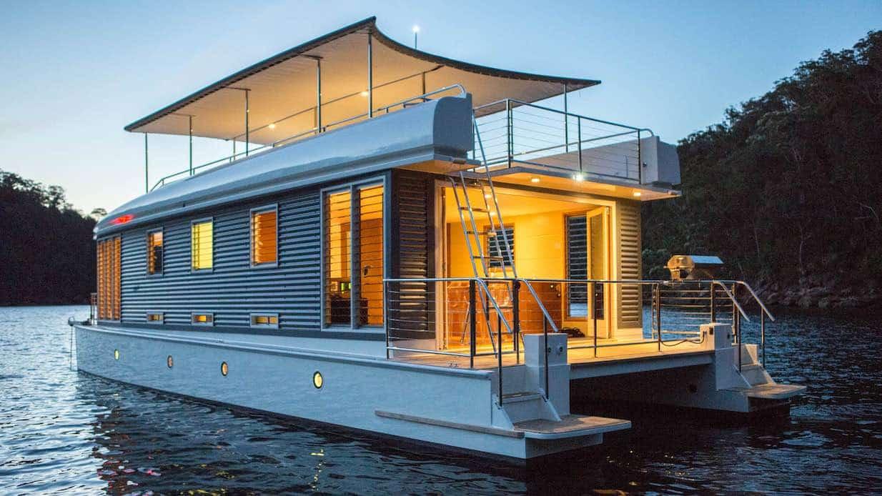 Mothership houseboat