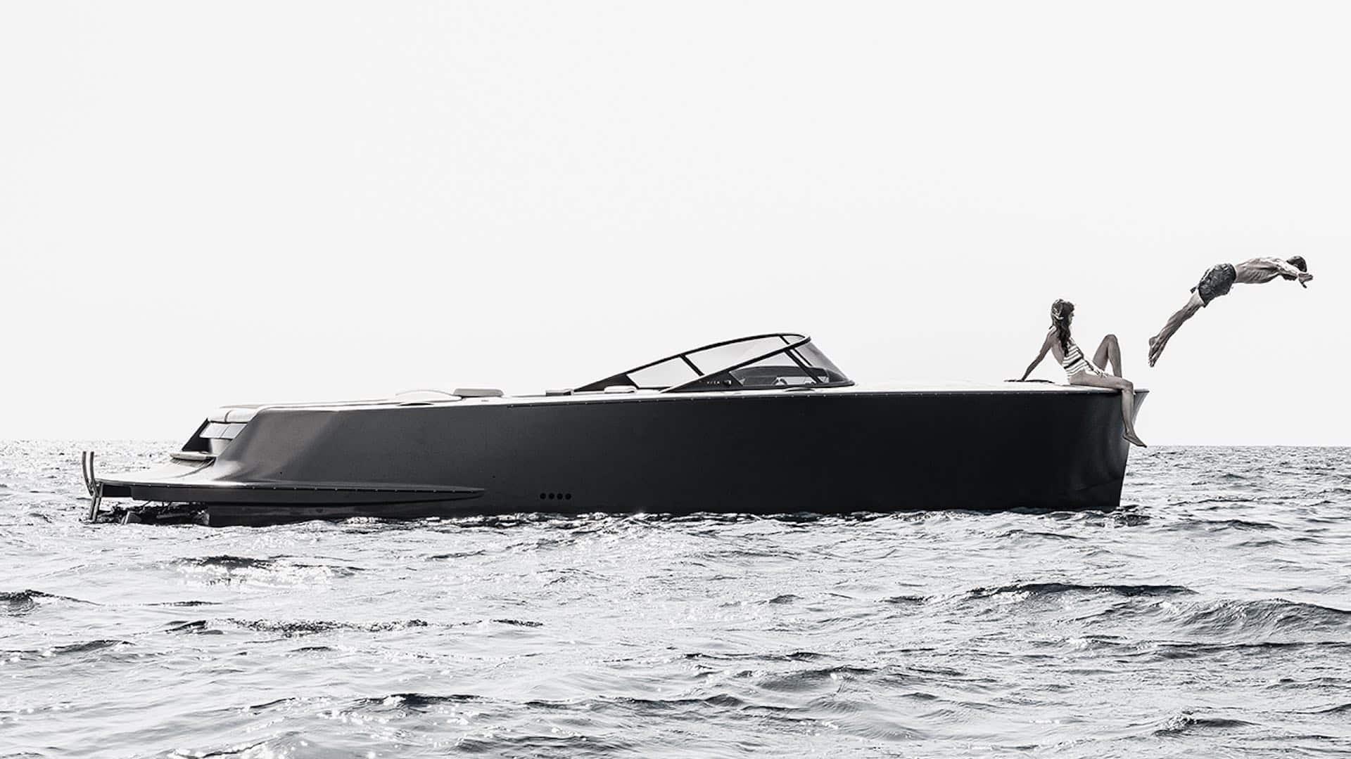 Vita Yachts9 puff