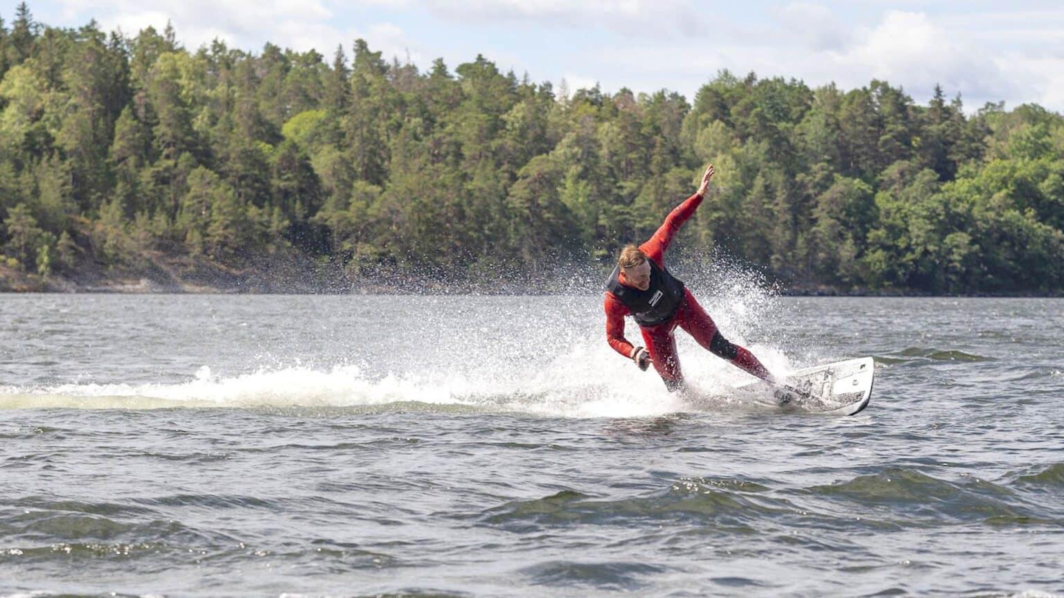 Awake Electric surfboard puff