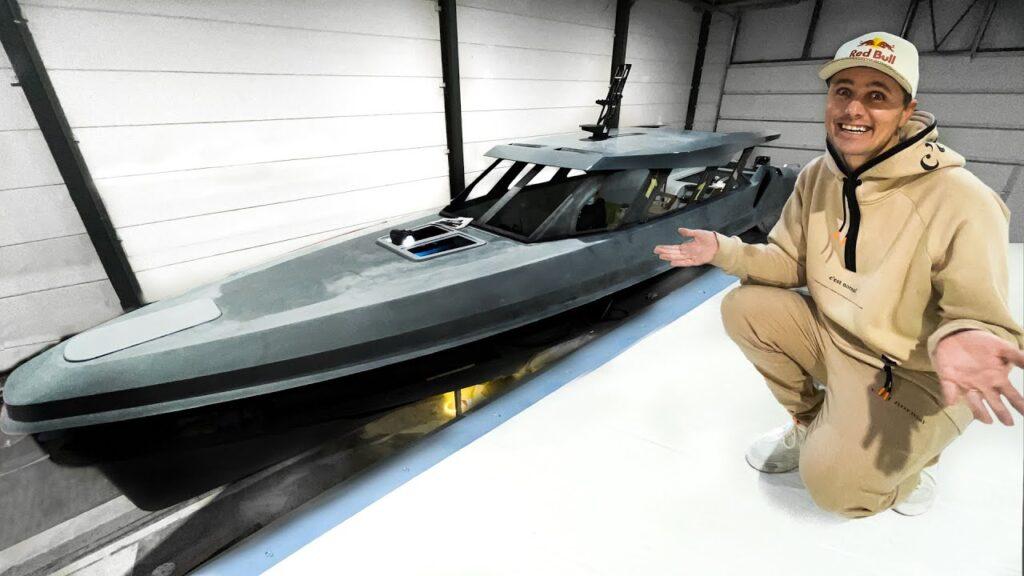 Jon Olsson builds extreme boat in carbon fiber