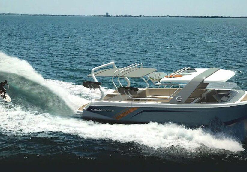 Electric wakeboard boat Gigawave 1