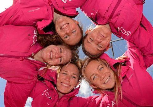 Fem tjejer uttagna till att segla jorden runt