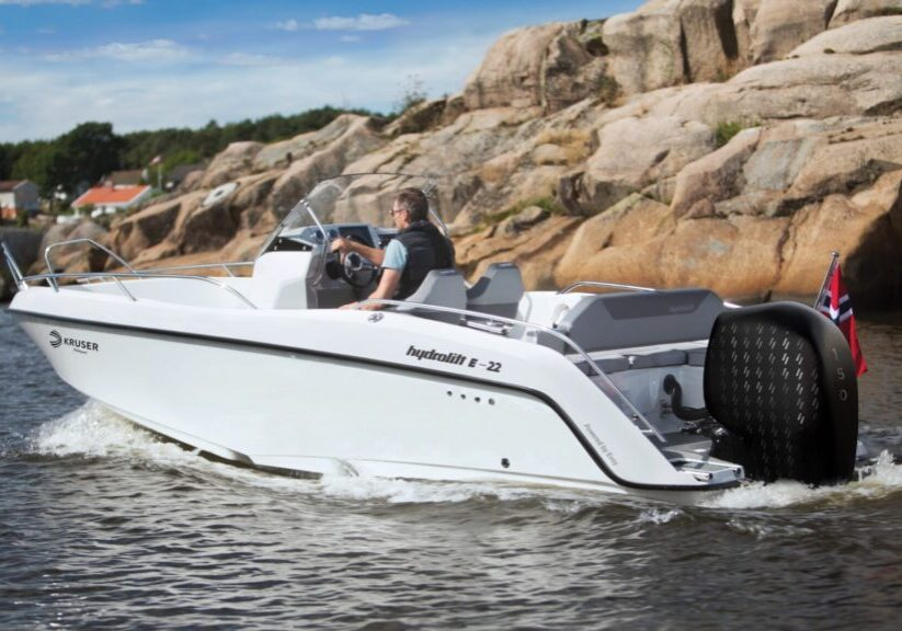 Hydrolift E-22 Evoy electric outboard