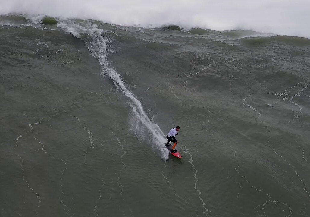 The worlds biggest surfwaves