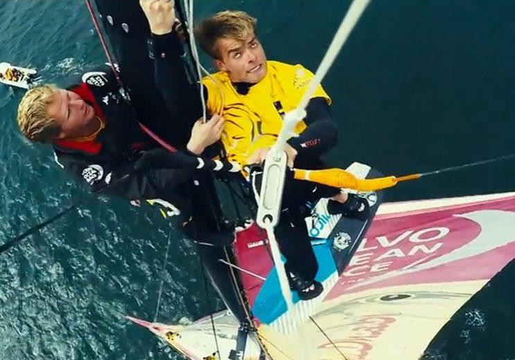 bloggare_adrenalin_2015_Kite_jump_from_mast_puffbild_wakeboard_abudhabi-hamnen