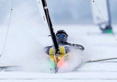 racing_bankappsegling_2013_Isjakt_Holland_Ice_boating_San_van_der_Borch_16_puff